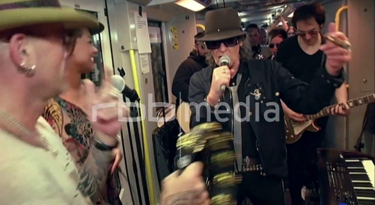 Udo Lindenberg sings in Berlin underground, 2016